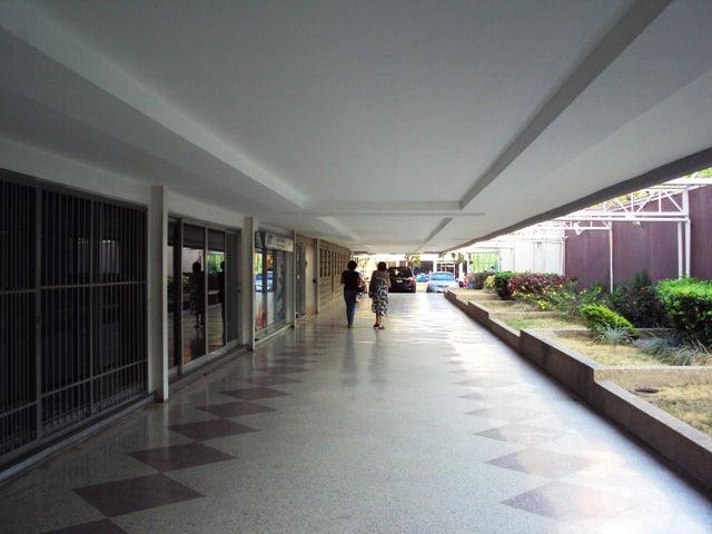 Apartamento En Venta En Maracay - La Floresta Código FLEX: 18-7765 No.13