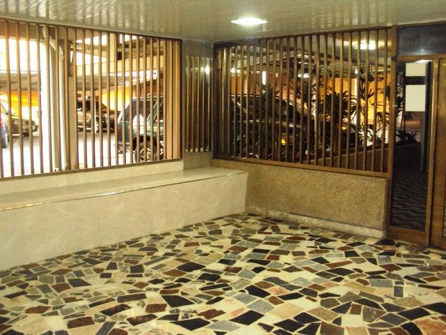 Apartamento En Venta En Maracay - La Floresta Código FLEX: 18-7765 No.16