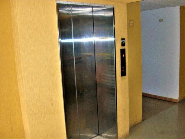 Apartamento En Venta En Caracas - El Encantado Código FLEX: 18-8493 No.16