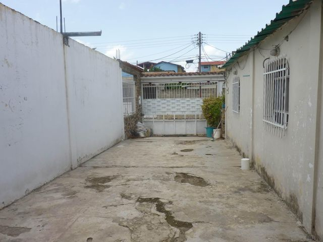 Casa En Venta En Intercomunal Maracay-turmero En La Julia - Código: 18-8250