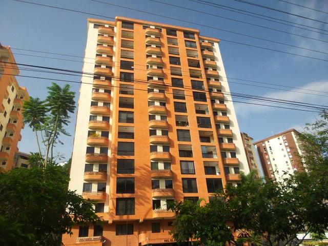 Apartamento En Venta En Valencia En El Bosque - Código: 17-12782