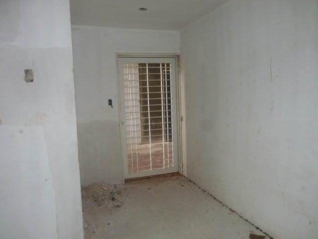 Apartamento En Venta En Municipio Linares Alcantara En Conjunto Residencial La Cienaga - Código: 18-8452