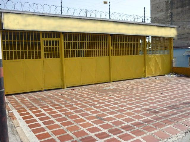 Local Comercial En Venta En Maracay En Avenida Constitucion - Código: 18-8476