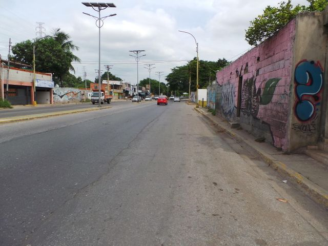 Local Comercial En Venta En Maracay En Avenida Aragua - Código: 18-8529