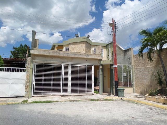 Townhouse En Venta En Maracay - Villas Ingenio II Código FLEX: 18-8694 No.0
