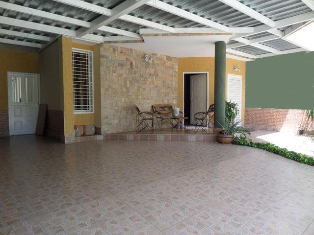 Townhouse En Venta En Maracay - Villas Ingenio II Código FLEX: 18-8694 No.1