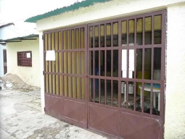 Casa En Venta En Maracay - Santa Rosa Código FLEX: 18-9032 No.0