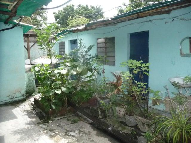 Casa En Venta En Maracay - Santa Rosa Código FLEX: 18-9032 No.12