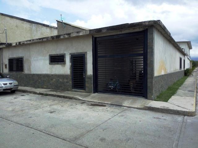 Casa En Venta En Maracay En La Fontana - Código: 18-9341
