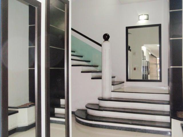 Apartamento En Venta En Maracay - El Centro Código FLEX: 18-9482 No.3