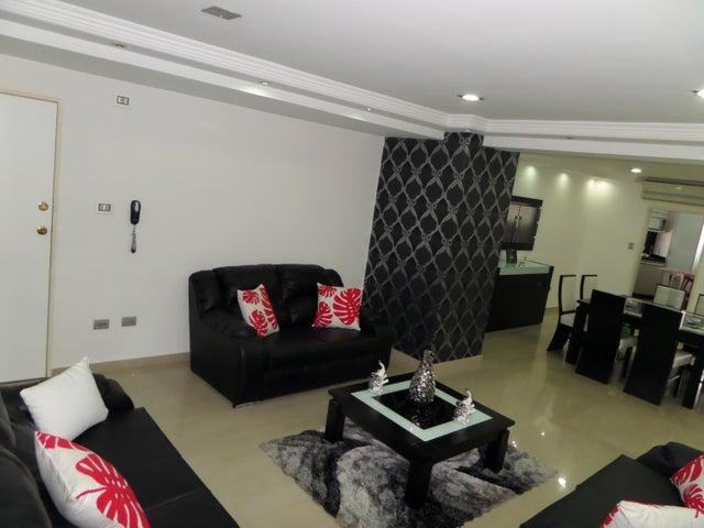 Apartamento En Venta En Maracay - El Centro Código FLEX: 18-9482 No.4