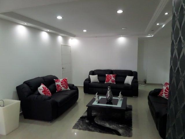 Apartamento En Venta En Maracay - El Centro Código FLEX: 18-9482 No.6