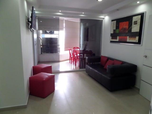 Apartamento En Venta En Maracay - El Centro Código FLEX: 18-9482 No.11