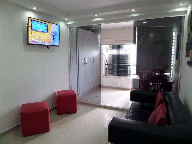 Apartamento En Venta En Maracay - El Centro Código FLEX: 18-9482 No.13