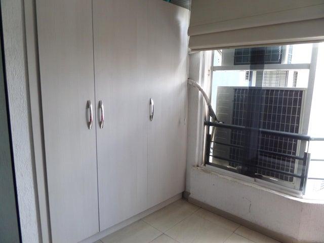 Apartamento En Venta En Maracay - El Centro Código FLEX: 18-9482 No.14