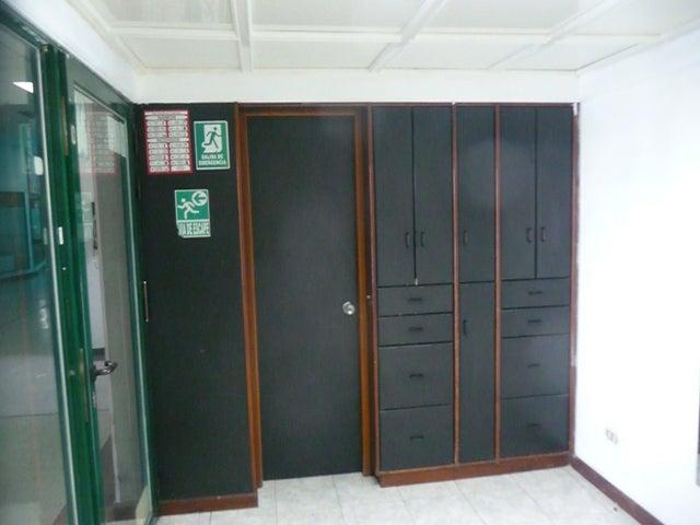 En Alquiler En Maracay - Las Delicias Código FLEX: 18-10140 No.6