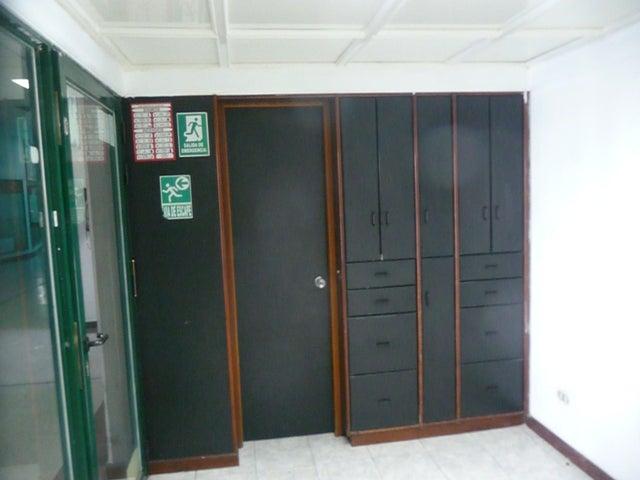 En Alquiler En Maracay - Las Delicias Código FLEX: 18-10140 No.12