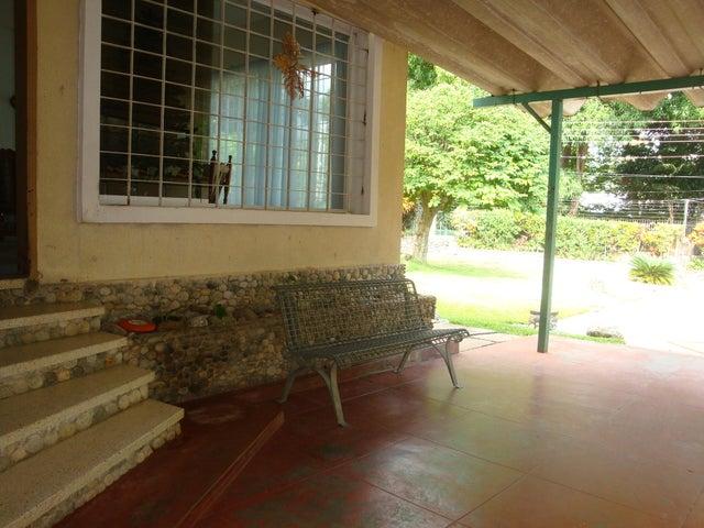Casa En Venta En Maracay - El Limon Código FLEX: 18-10176 No.2
