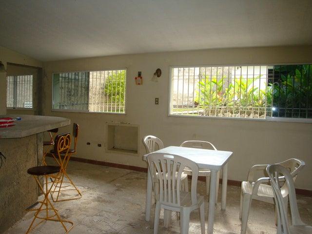 Casa En Venta En Maracay - El Limon Código FLEX: 18-10176 No.16