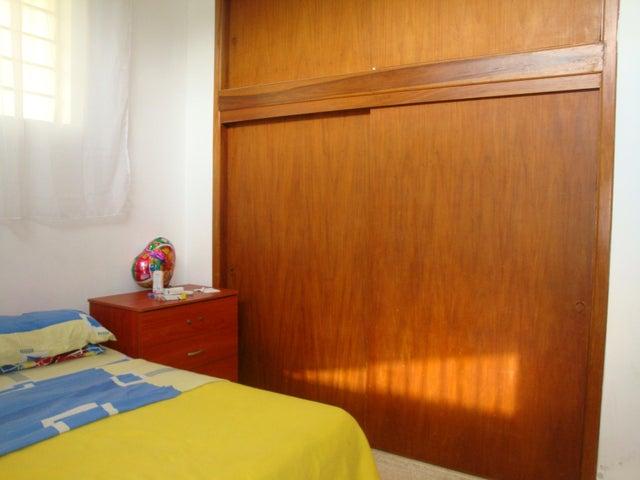 Casa En Venta En Maracay - El Limon Código FLEX: 18-10176 No.11