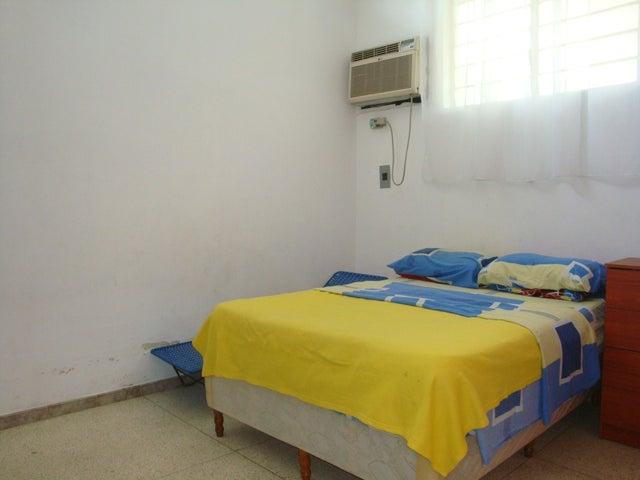 Casa En Venta En Maracay - El Limon Código FLEX: 18-10176 No.12