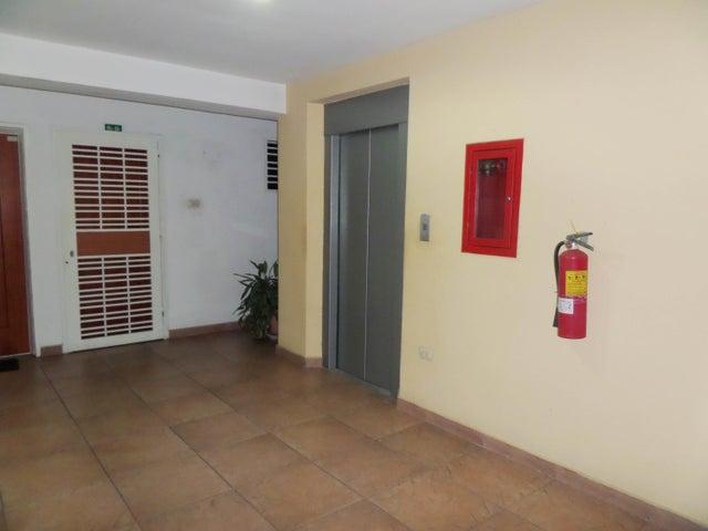 Apartamento En Venta En Maracay - Base Aragua Código FLEX: 18-10497 No.4