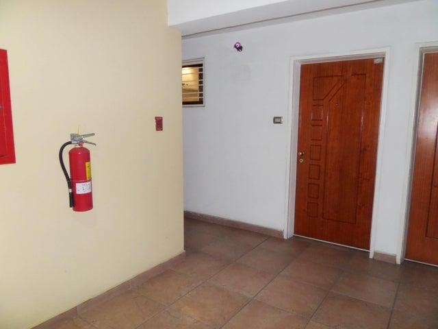 Apartamento En Venta En Maracay - Base Aragua Código FLEX: 18-10497 No.5