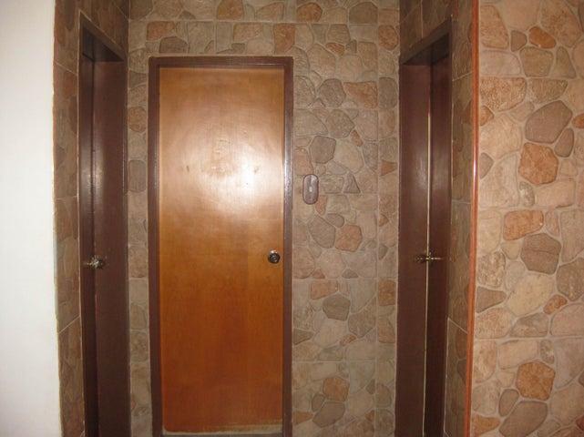 Apartamento En Venta En Maracay En El Limon - Código: 18-10648