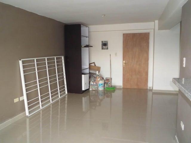 Apartamento En Venta En Maracay - Los Chaguaramos Código FLEX: 18-10655 No.4