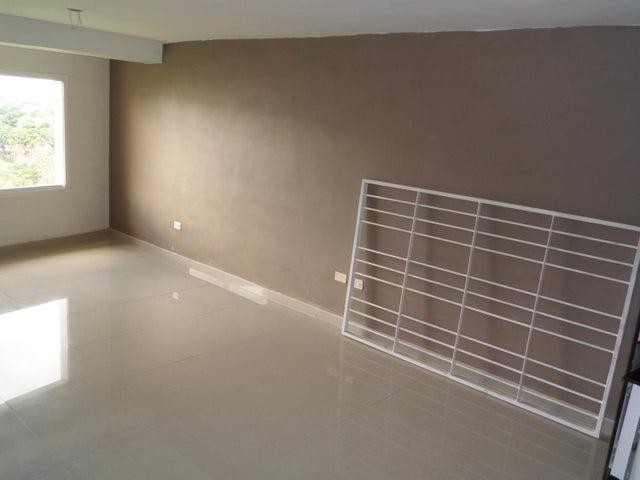 Apartamento En Venta En Maracay - Los Chaguaramos Código FLEX: 18-10655 No.5