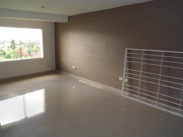 Apartamento En Venta En Maracay - Los Chaguaramos Código FLEX: 18-10655 No.6