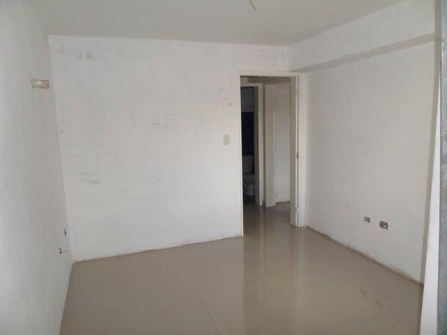 Apartamento En Venta En Maracay - Los Chaguaramos Código FLEX: 18-10655 No.15