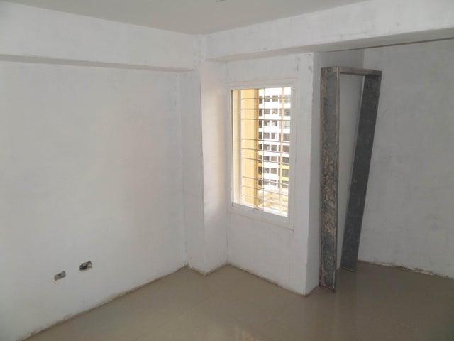 Apartamento En Venta En Maracay - Los Chaguaramos Código FLEX: 18-10655 No.16