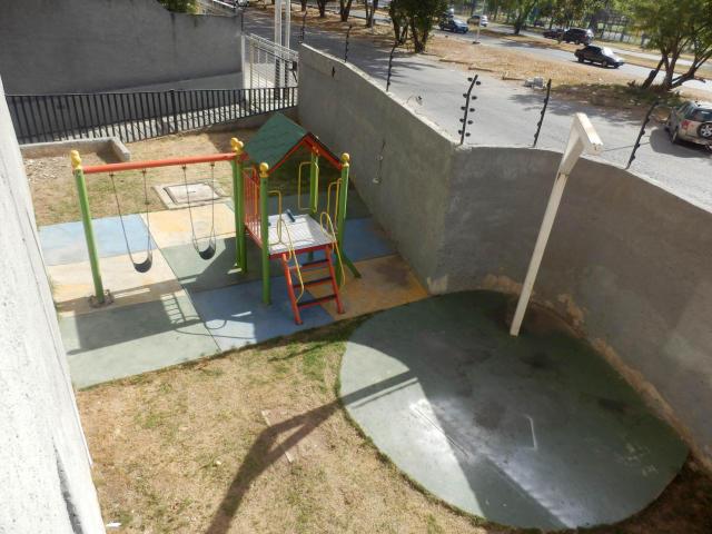 Apartamento En Venta En Maracay - San Jacinto Código FLEX: 18-10678 No.3