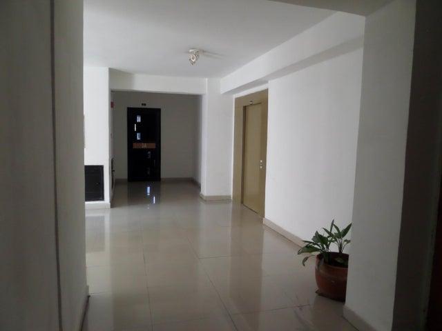 Apartamento En Venta En Maracay - San Jacinto Código FLEX: 18-10678 No.4