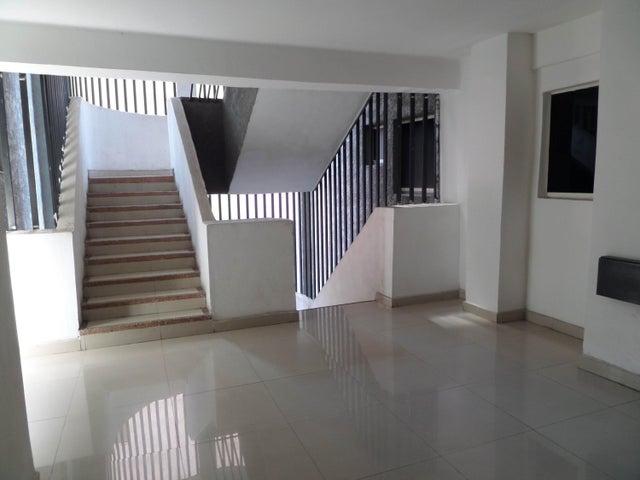 Apartamento En Venta En Maracay - San Jacinto Código FLEX: 18-10678 No.5