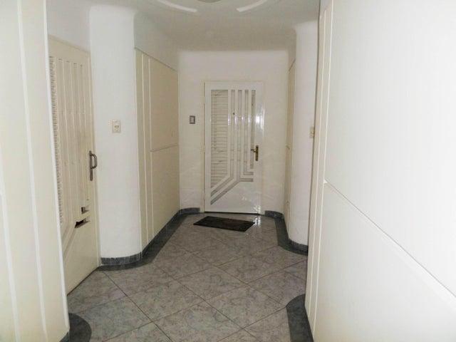 Apartamento En Venta En Maracay - Los Chaguaramos Código FLEX: 18-10681 No.7