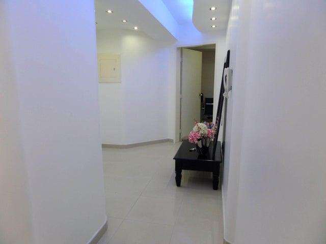 Apartamento En Venta En Maracay - Los Chaguaramos Código FLEX: 18-10681 No.8