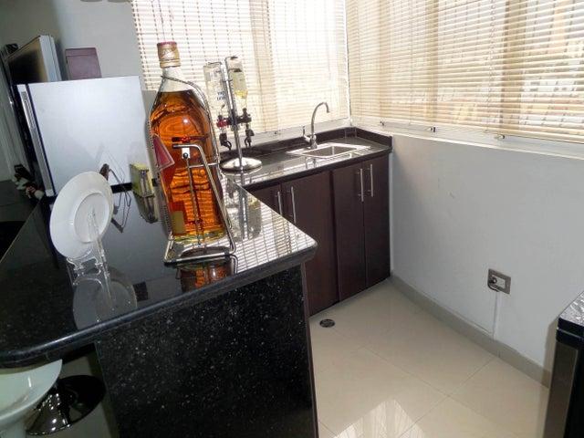 Apartamento En Venta En Maracay - Los Chaguaramos Código FLEX: 18-10681 No.13