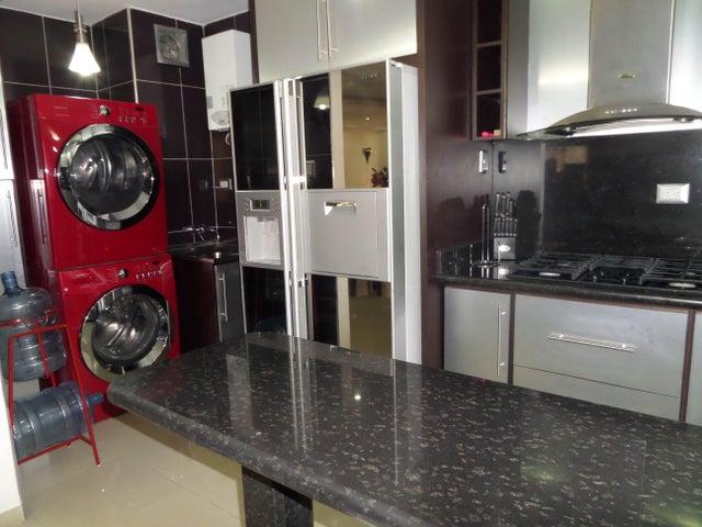 Apartamento En Venta En Maracay - Los Chaguaramos Código FLEX: 18-10681 No.15