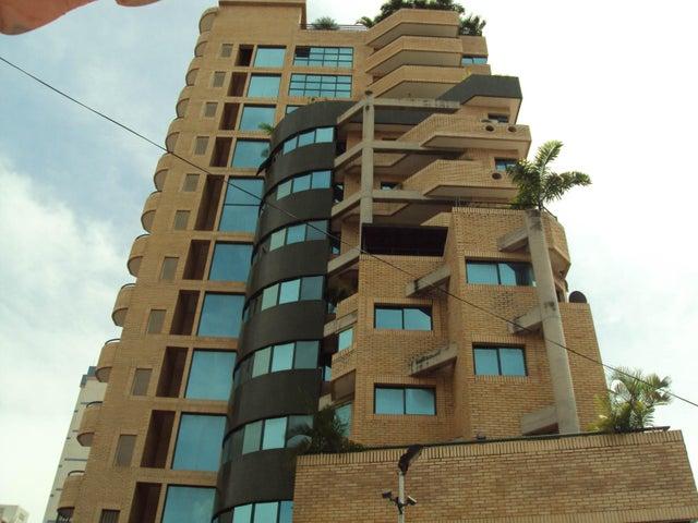 Apartamento En Venta En Maracay - La Soledad Código FLEX: 18-10685 No.0