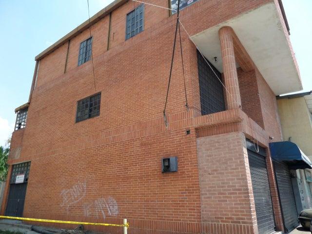 Edificio En Venta En Maracay - La Barraca Código FLEX: 18-10697 No.2