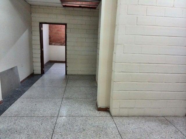 Edificio En Venta En Maracay - La Barraca Código FLEX: 18-10697 No.4