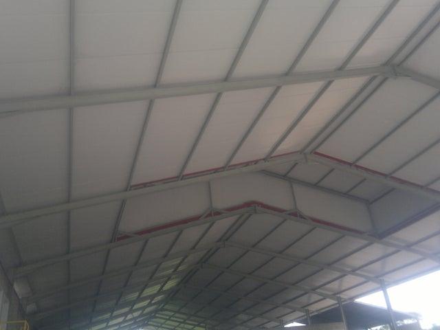 Industrial En Venta En Santa Cruz de Aragua - Zona Industrial San Crispin Código FLEX: 18-10698 No.7