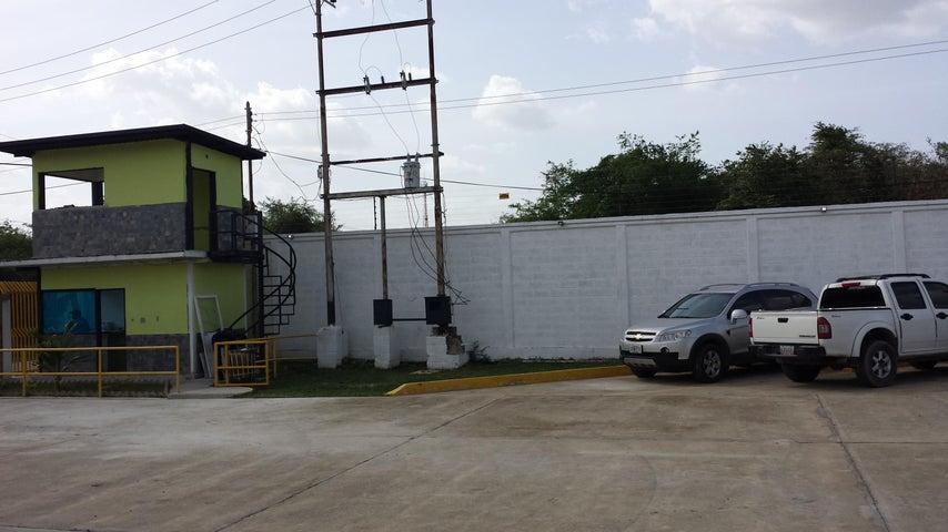 Industrial En Venta En Santa Cruz de Aragua - Zona Industrial San Crispin Código FLEX: 18-10698 No.13