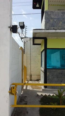 Industrial En Venta En Santa Cruz de Aragua - Zona Industrial San Crispin Código FLEX: 18-10698 No.15