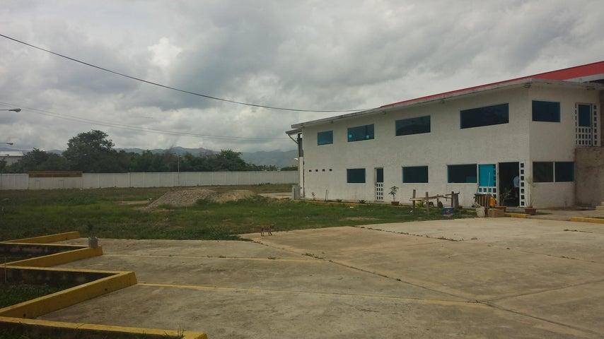 Industrial En Venta En Santa Cruz de Aragua - Zona Industrial San Crispin Código FLEX: 18-10698 No.17