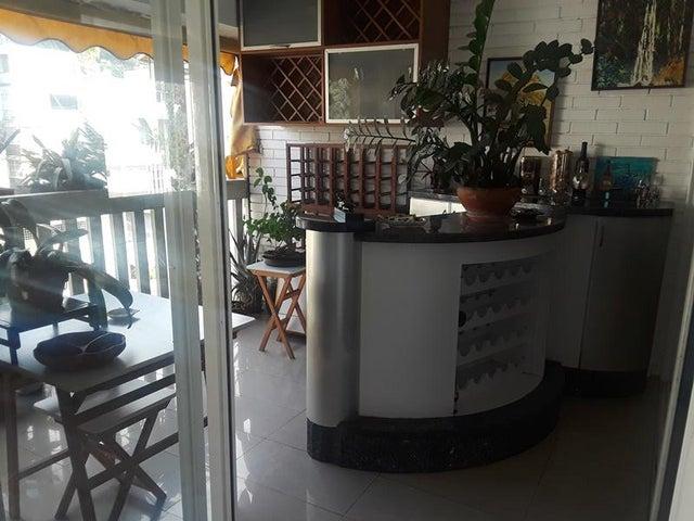 Apartamento En Venta En Caracas - Cumbres de Curumo Código FLEX: 18-10743 No.14