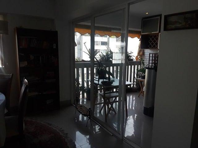 Apartamento En Venta En Caracas - Cumbres de Curumo Código FLEX: 18-10743 No.5