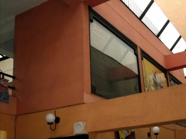 Local Comercial En Venta En Maracay - Avenida 19 de Abril Código FLEX: 18-11079 No.10